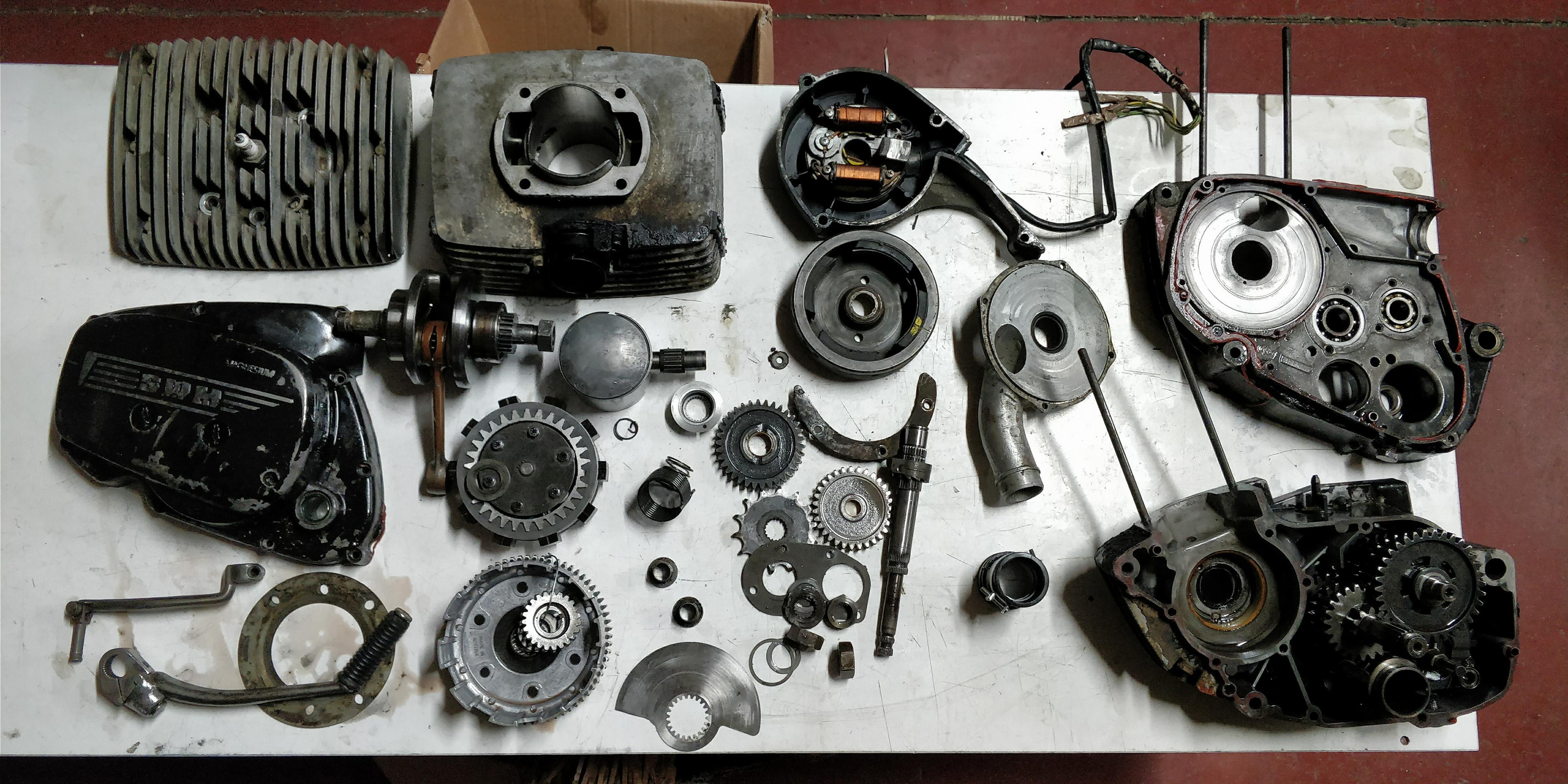 Ricambi motore swm 250